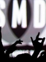 CONCURS: Câştigă o invitaţie simplă la Simian Mobile Disco!