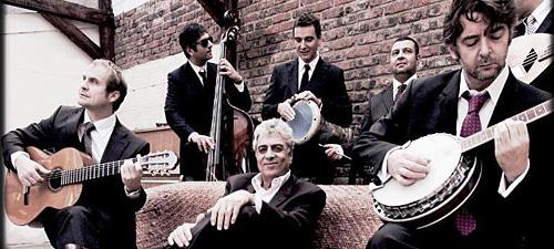 CONCURS: Câştigă invitaţii la concertul Enrico Macias