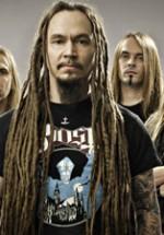 Amorphis revine în România