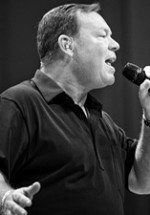 RECENZIE: Ali Campbell, fostul solist UB40 a concertat la Bucureşti
