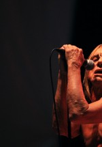 iggy-and-the-stooges-concert-peninsula-2011-tuborg-main-stage-10