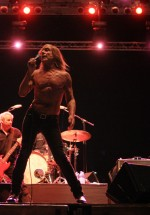 iggy-and-the-stooges-concert-peninsula-2011-tuborg-main-stage-11