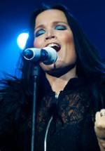 RECENZIE: Tarja Turunen, un concert tumultuos de rămas-bun la Bucureşti (VIDEO)