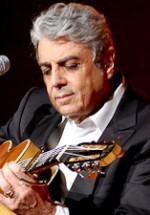 Reducere la preţul biletelor pentru concertul Enrico Macias de la Bucureşti