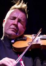 RECENZIE: Nigel Kennedy, concert fascinant la Sala Palatului din Bucureşti (VIDEO)