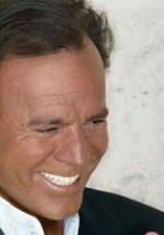 CONCURS: Câştigă invitaţii la concertul lui Julio Iglesias