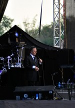 julio-iglesias-zone-arena-bucharest-2012-15