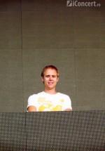 4-armin-van-buuren-the-mission-dance-weekend-2012-15