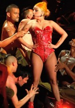 RECENZIE: Lady Gaga, show impecabil pe scena de la Bucureşti (POZE)