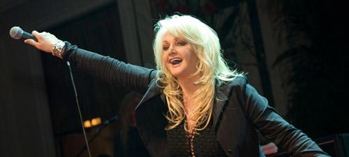 CONCURS: Câştigă invitaţii la concertul Bonnie Tyler de la Bucureşti