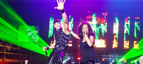 RECENZIE: Muzică, dans şi hiturile anilor '90 la Sala Polivalentă (POZE)