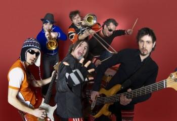 Concert Zdob şi Zdub şi Andra de Ziua Europei în Parcul Plumbuita din Bucureşti
