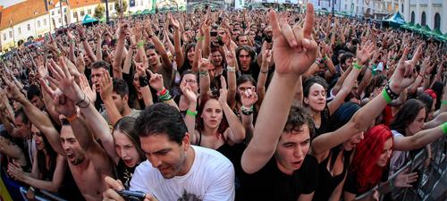 RECENZIE: ARTmania Festival 2013, rock pe soare şi pe ploaie cu Within Temptation sau Lacrimosa (POZE)