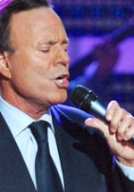 Julio Iglesias în concert la Bucureşti, pentru prima dată la Sala Palatului
