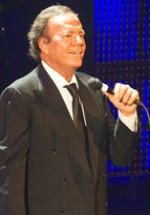 POZE: Julio Iglesias la Sala Palatului din Bucureşti