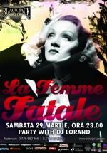 La Femme Fatale în The Black Jack Pub din Bucureşti