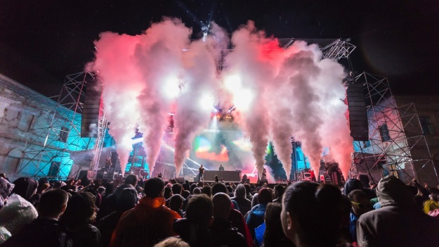 FOTO: Fatboy Slim, The Parov Stelar Band, Asian Dub Foundation, în prima zi de Electric Castle Festival 2015