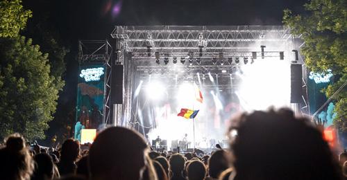 """RECENZIE: Summer Well Festival 2015, """"insulă"""" a muzicii indie-rock, cu show-uri explozive şi atmosferă prietenoasă (FOTO)"""