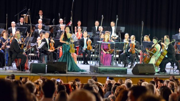 RECENZIE: Sarah Chang la Sala Palatului – un concert înălţător, plin de magnetism şi virtuozitate