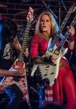 FOTO: Lita Ford la Hard Rock Cafe din Bucureşti