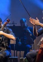 RECENZIE: Nebunie instrumentală şi classical rock cu 2CELLOS la Sala Palatului (POZE)