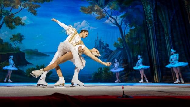 """Ultimele detalii ale spectacolului """"Lacul Lebedelor"""" – balet pe gheaţă de la Sala Palatului"""