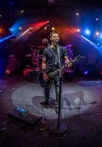 RECENZIE: Adrenalină şi rock la intensitate maximă cu Godsmack la Bucureşti (FOTO)