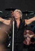 FOTO: Bon Jovi în Piaţa Constituţiei din Bucureşti